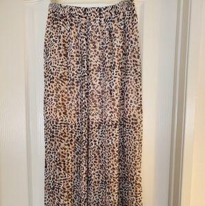 Animal print pleated skirt